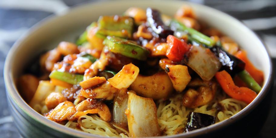 Kineske nudle sa piletinom