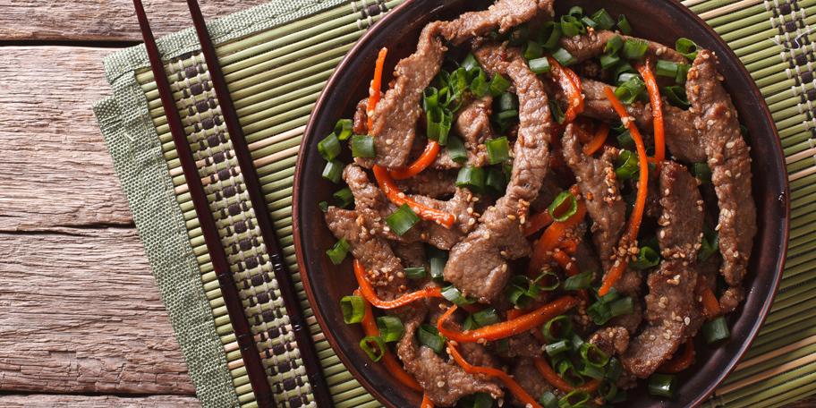Junetina na roštilju sa šargarepom i susamom