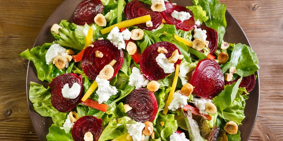 Zelena salata sa cveklom