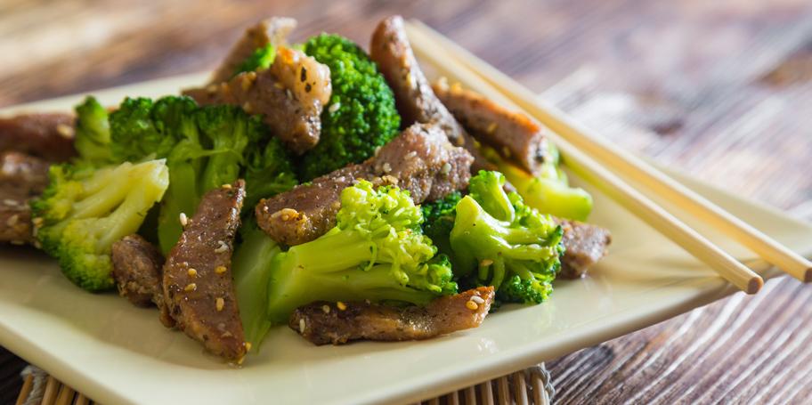 Grilovano meso sa brokolijem i susamom