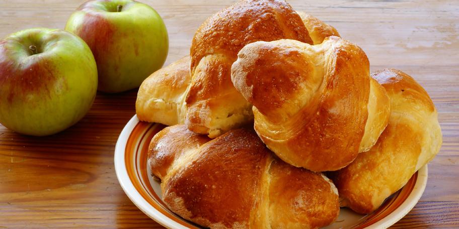 Bakine kiflice sa jabukama i cimetom