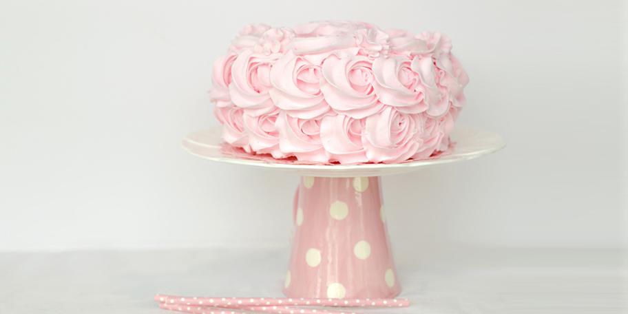 Ružičasta badem krem torta