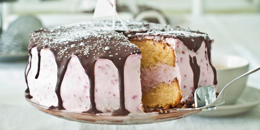 Rođendanska torta s malinama