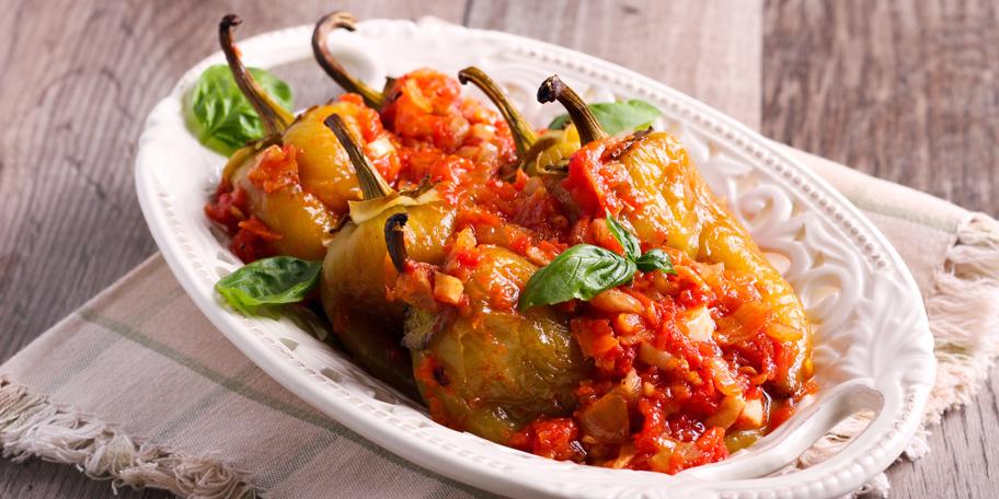 Pečena babura sa sosom od paradajza i luka