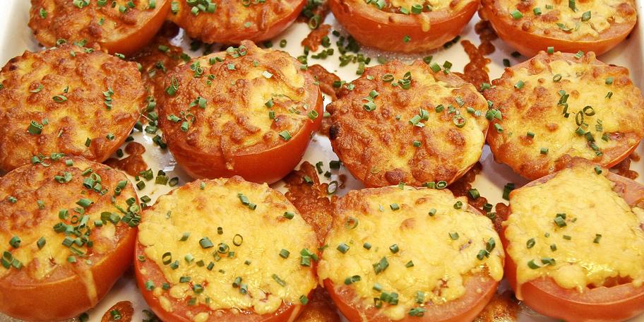 Punjeni i zapečeni paradajz
