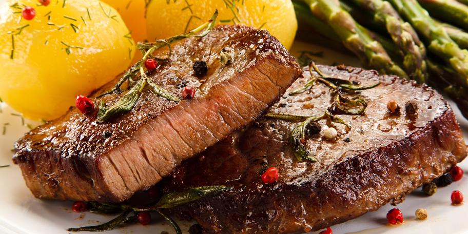 Grilovani biftek sa asparagusom