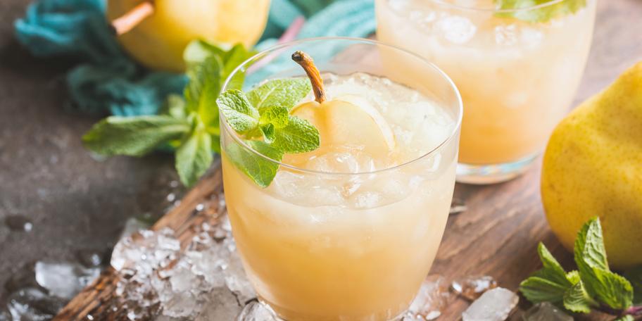 Alkoholni koktel sa rakijom od kruške