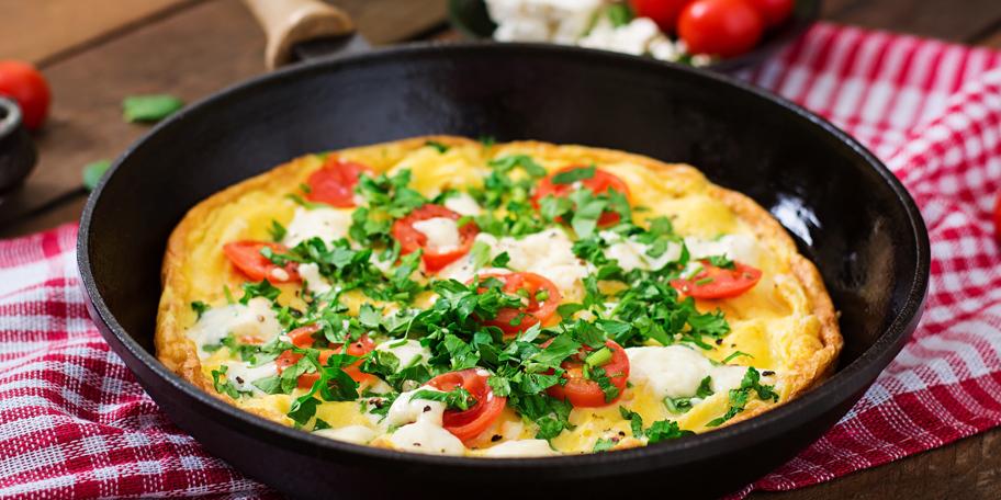 Omlet sa čeri paradajzom i feta sirom