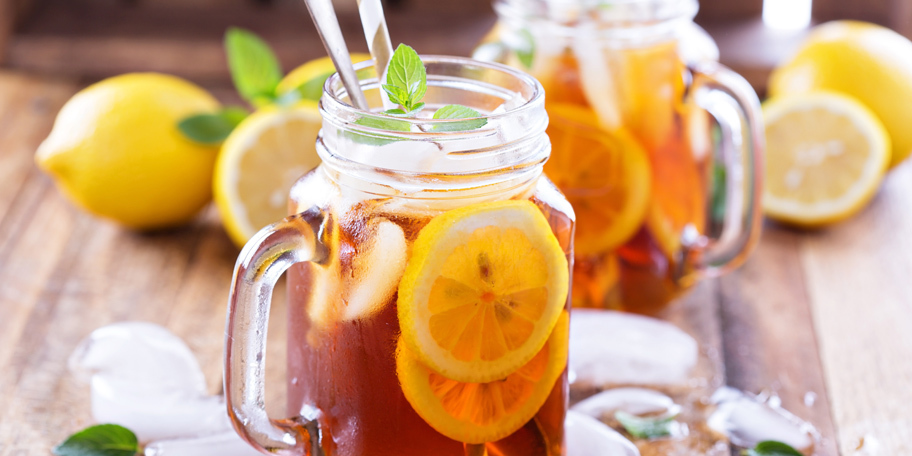 Ledeni čaj sa limunom i nanom