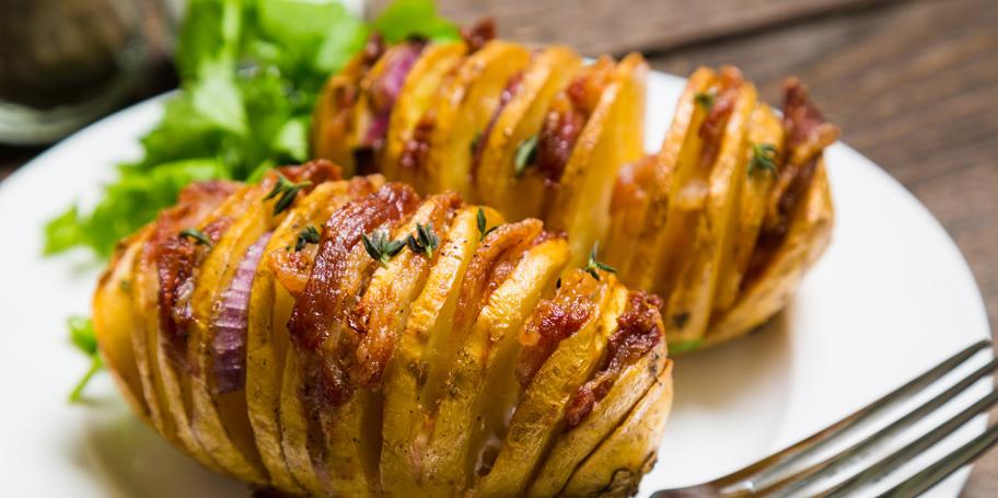Rebrasto zapečeni krompir sa slaninom