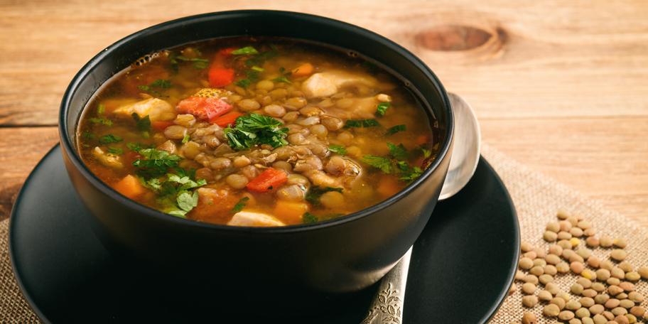 Supa sa sočivom, piletinom i povrćem