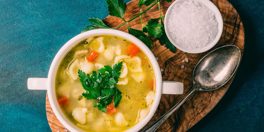 Pileća supa sa nudlama