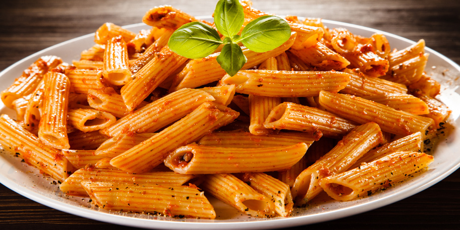Pasta sa paradajz sosom i tunjevinom