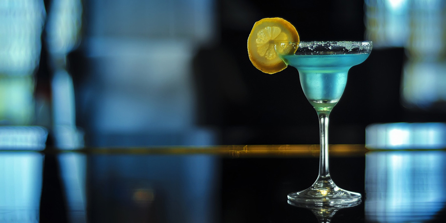 Plavi koktel za vrele letnje večeri