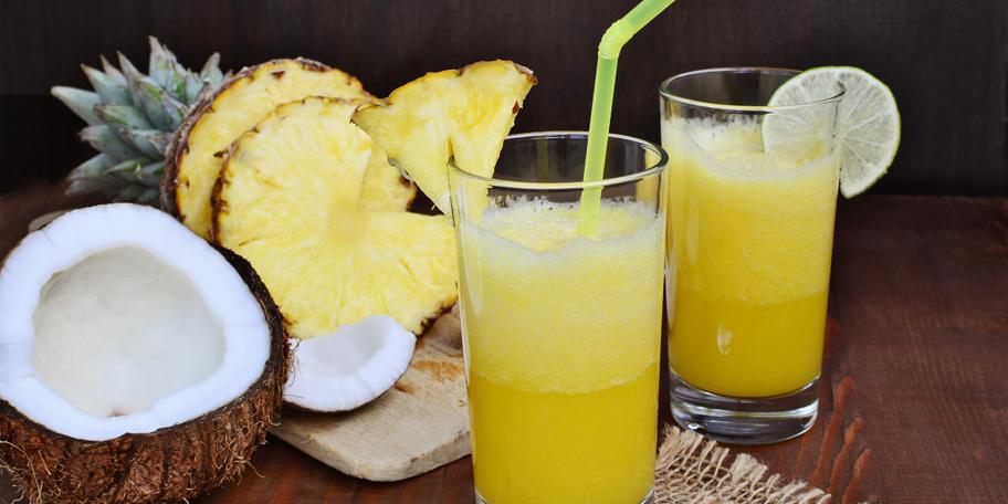 Moktel od ananasa, kokosa i limete