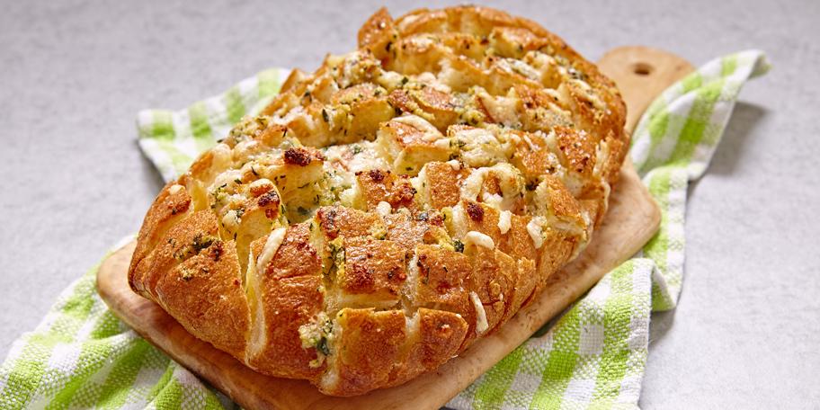 Hleb sa sirom i belim lukom