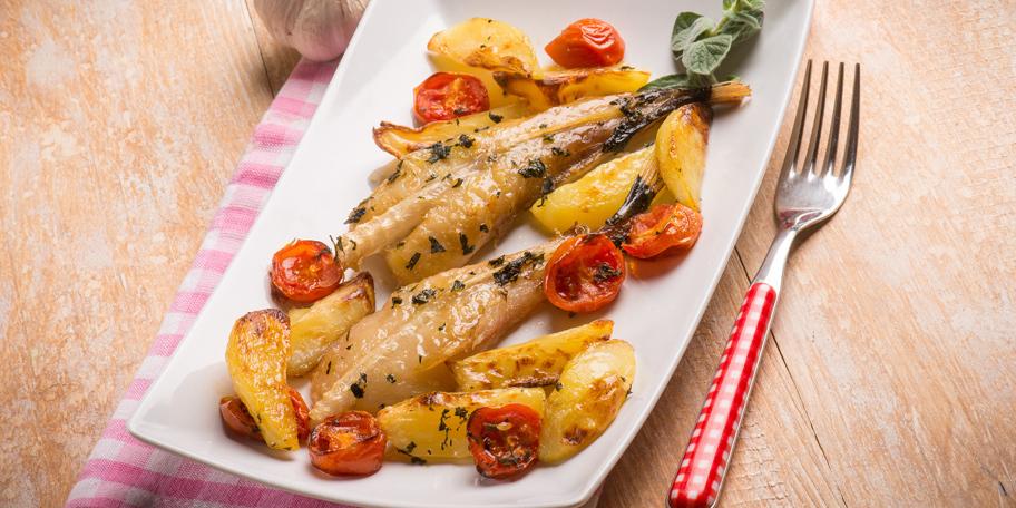 Riba sa krompirom i paradajzom