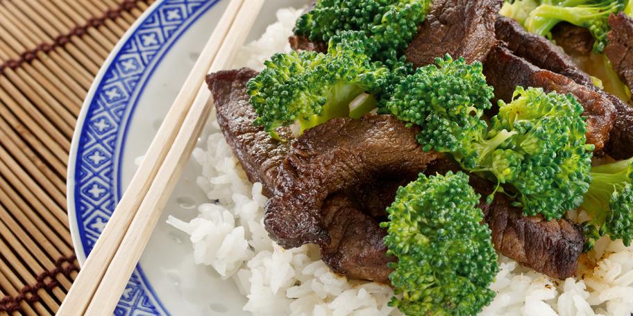 Teletina sa brokolijem i pirinčem na kineski način